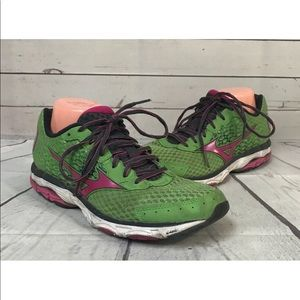 Mizuno Green Pink Shoes Size 10 Women's Sneakers